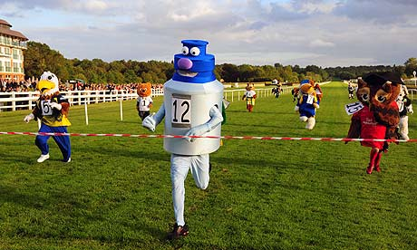 Mascot-race-at-Lingfield-007